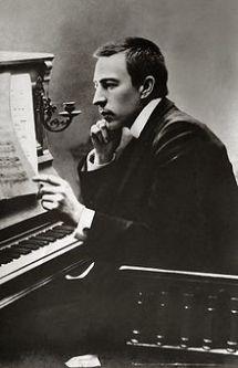 220px-Rachmaninoff_1900
